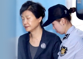 朴, 첫 법정진술…변호인 전원 사임