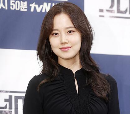 """'크마' 문채원, 긴 머리+블랙 원피스…""""오늘도 예쁨"""""""