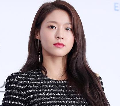 "AOA 설현, 반짝이는 미니드레스…""돋보이는 여신 자태"""