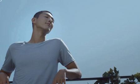 지수, 산뜻한 여름 만끽…이너웨어 광고 공개