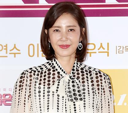 """유호정, 독특한 원피스로 우아하게…""""여전한 미모"""""""