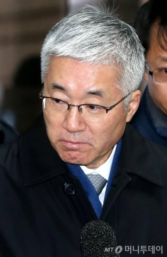 '문화계 블랙리스트' 김종덕 前장관 등 3명 구속…이제 김기춘·조윤선으로