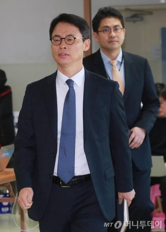"""태블릿 PC 출시 전 崔 사용? 특검 """"두가지 가능성"""""""