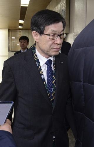 """권오준 '더블루K에 사과하라' 전화받고 """"뭐 이런…"""""""