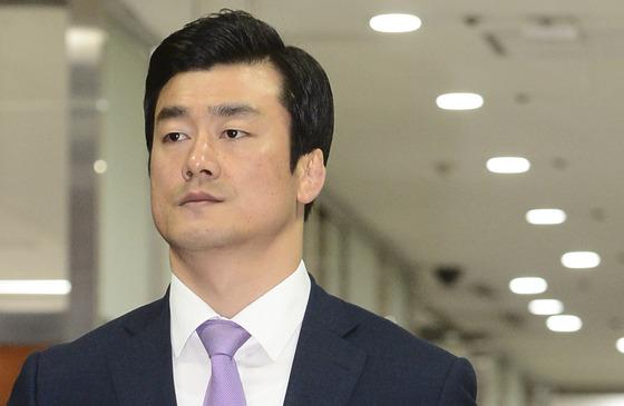 朴 '비선진료' 재판서 안봉근 증인신문 불발
