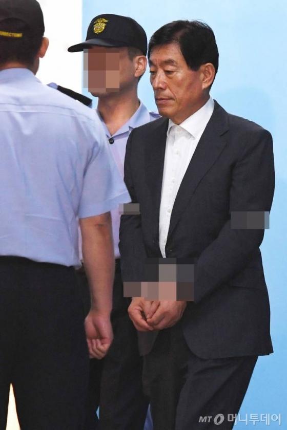 檢, 김성호·원세훈 등 MB정부 국정원장 소환조사