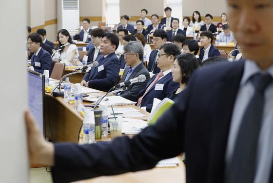 """전국법관회의 """"'재판거래' 수사 필요…대법원장 고발은 부적절"""""""