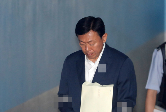 '박근혜 뇌물 실형' 신동빈 롯데 회장, 보석 신청
