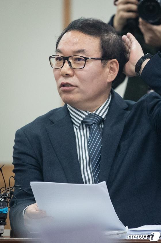 """""""김학의 수천만원 뇌물 혐의, 靑 수사외압""""…수사 권고"""