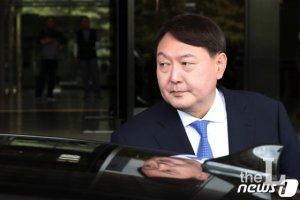 윤석열 선배들, 줄줄이 퇴임…봉욱 등 19~20기 이번주 사퇴 잇따를 듯