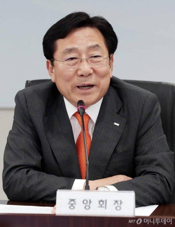 검찰, 중기중앙회 선거 '금품살포' 김기문 회장 기소