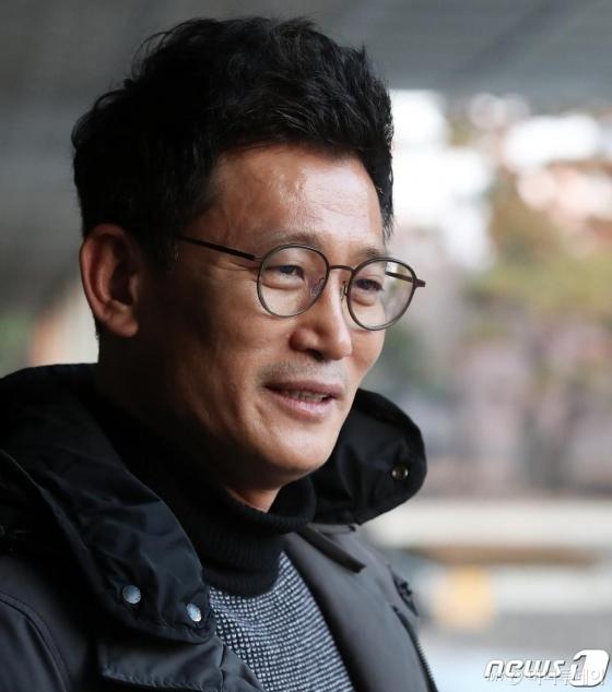 김기현 전 비서실장 이틀째 조사…울산경찰 10여명 소환 불응(종합)
