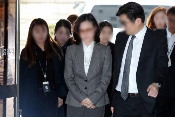 """'조국 의혹' 코링크 대표 """"정경심 다그침에 스트레스"""""""
