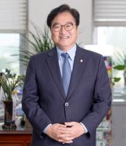 """우원식 더불어민주당 원내대표, """"민생 위해 1년 달렸다…"""