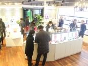 [포토]레드컨테이너 카페 강남점, '국내 최초 카페 성인용품숍'