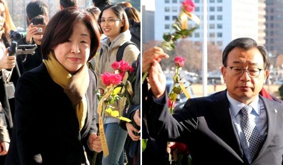 국회 앞 '장미꽃', 받아들고 외면하고…
