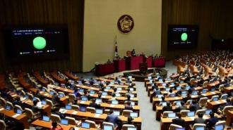'추경 쟁점' 중앙공무원 채용…결국 반토막났다