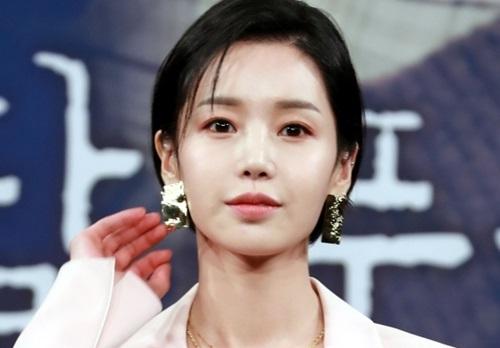 """남규리 측 """"부친 관련 악성 루머 고소 검토 중"""""""