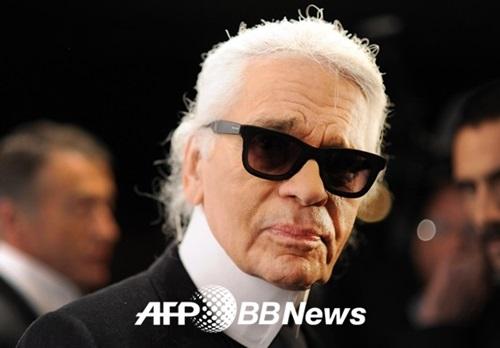 칼 라거펠트, '위대한 디자이너'가 떠났다..향년 85세