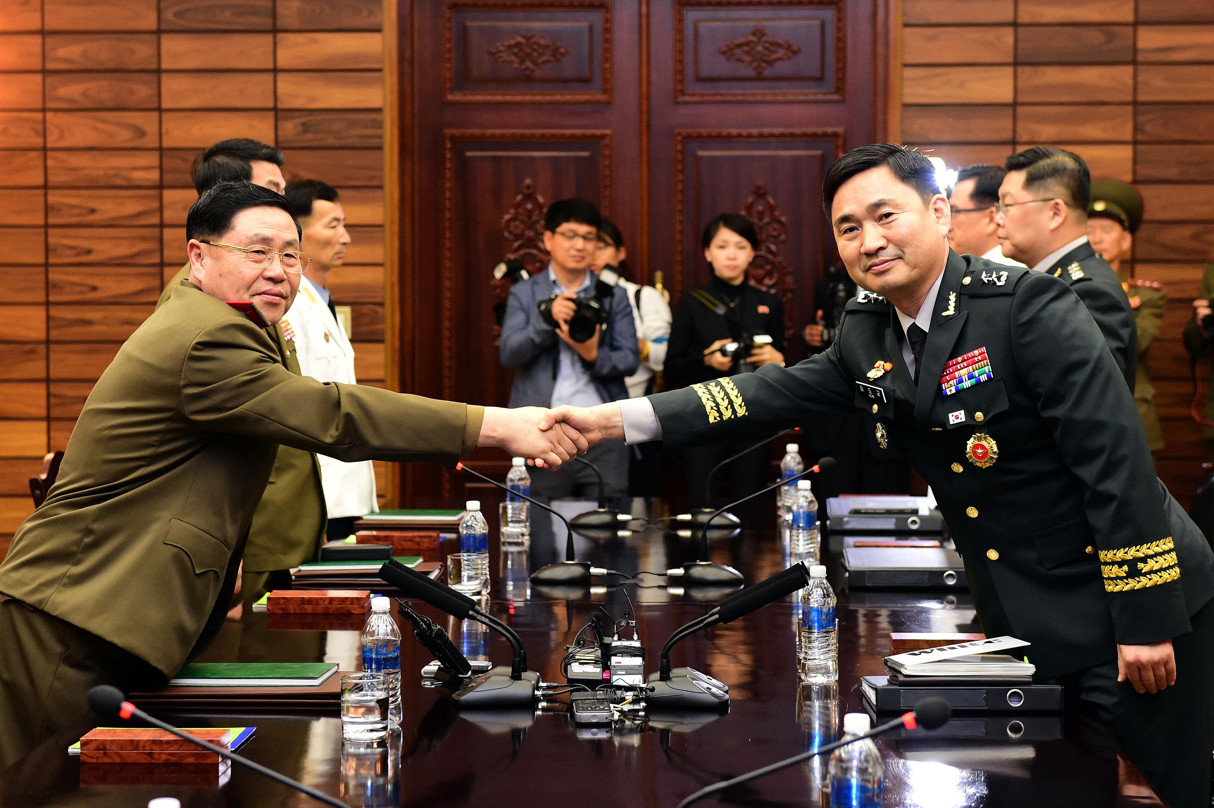 10년 6개월만에 다시 만난 남북 장성급 회담
