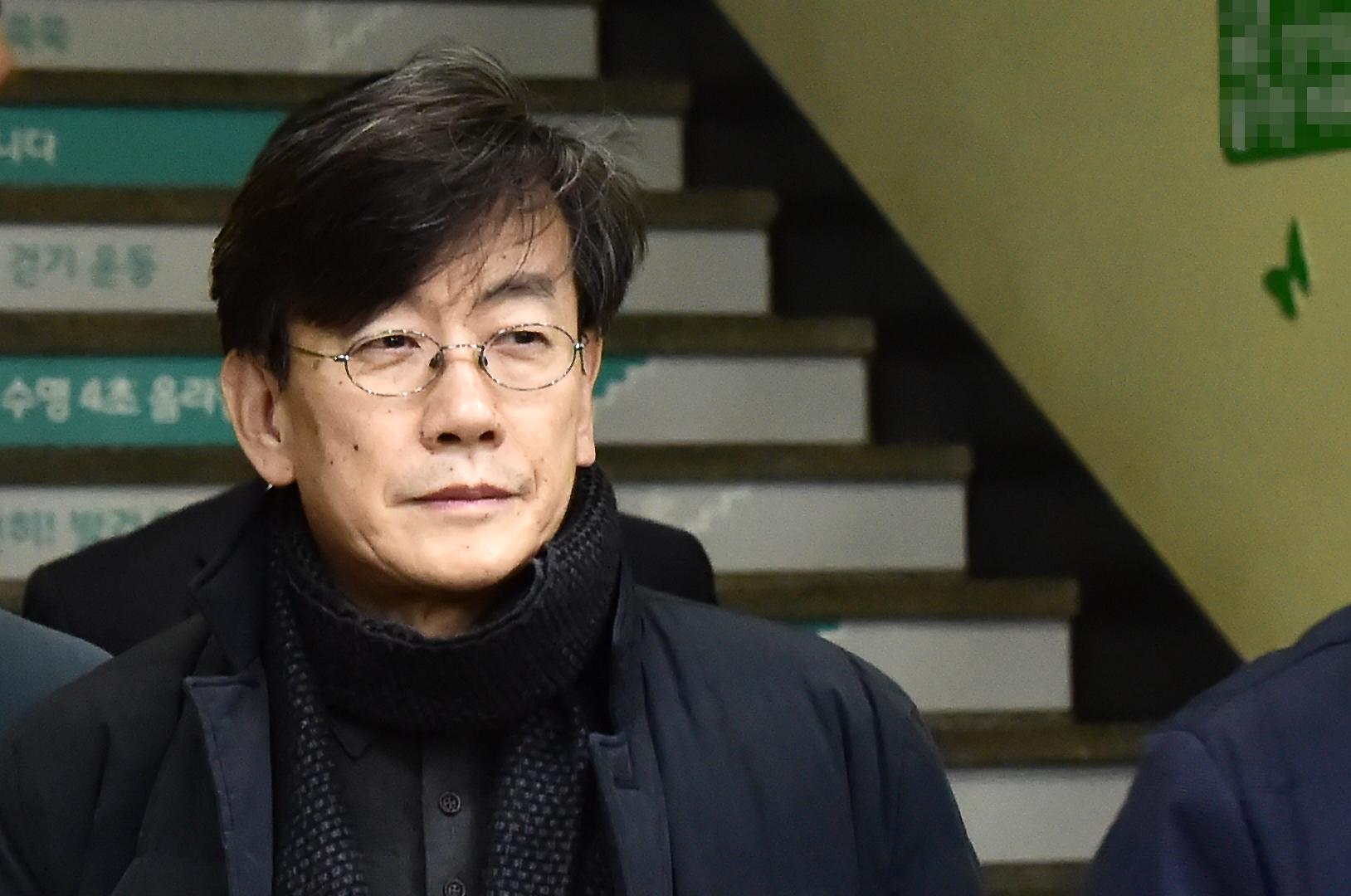 19시간 밤샘조사 마친 손석희 사장