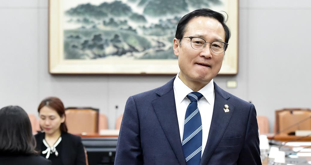 한국당 불참속 개회된 국회 운영위 회의