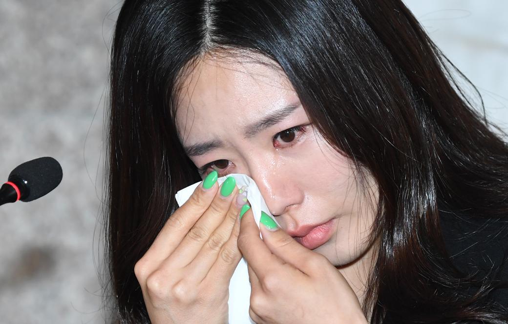 '빙속여제' 이상화, 눈물의 은퇴