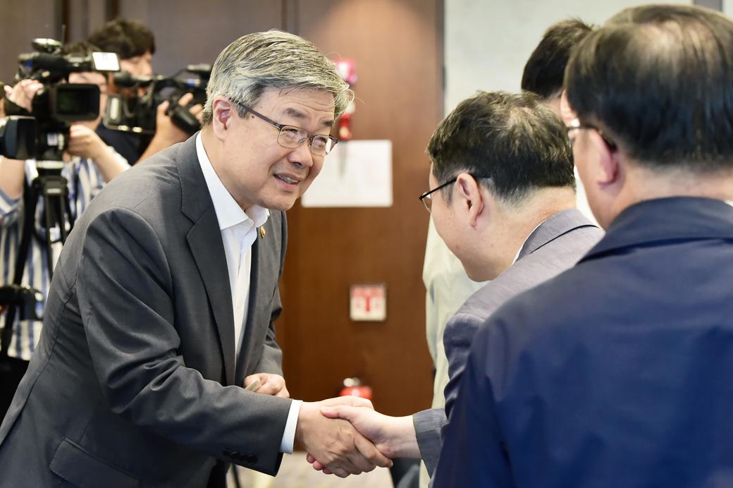 노동시간 단축 논의 관련 중소-중견기업 만난 이재갑 장관
