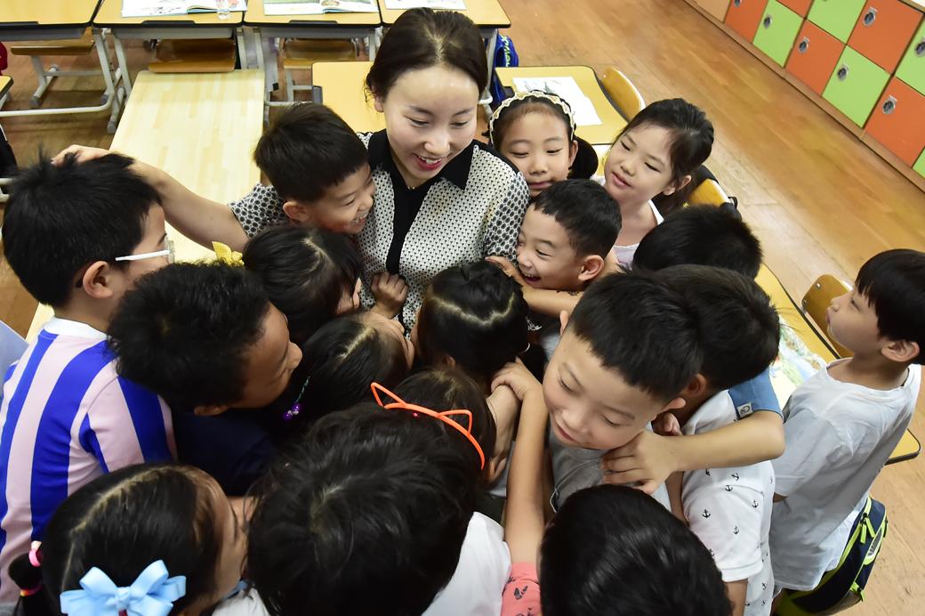 전국 초등학교 개학, 선생님 보고 싶었어요!