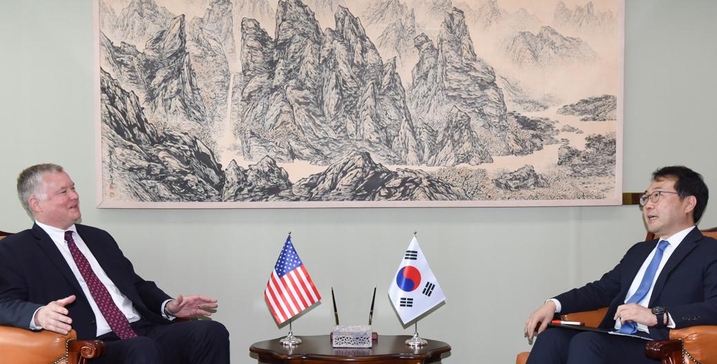 이도훈-스티븐 비건, '한미 북핵 수석대표 협의'