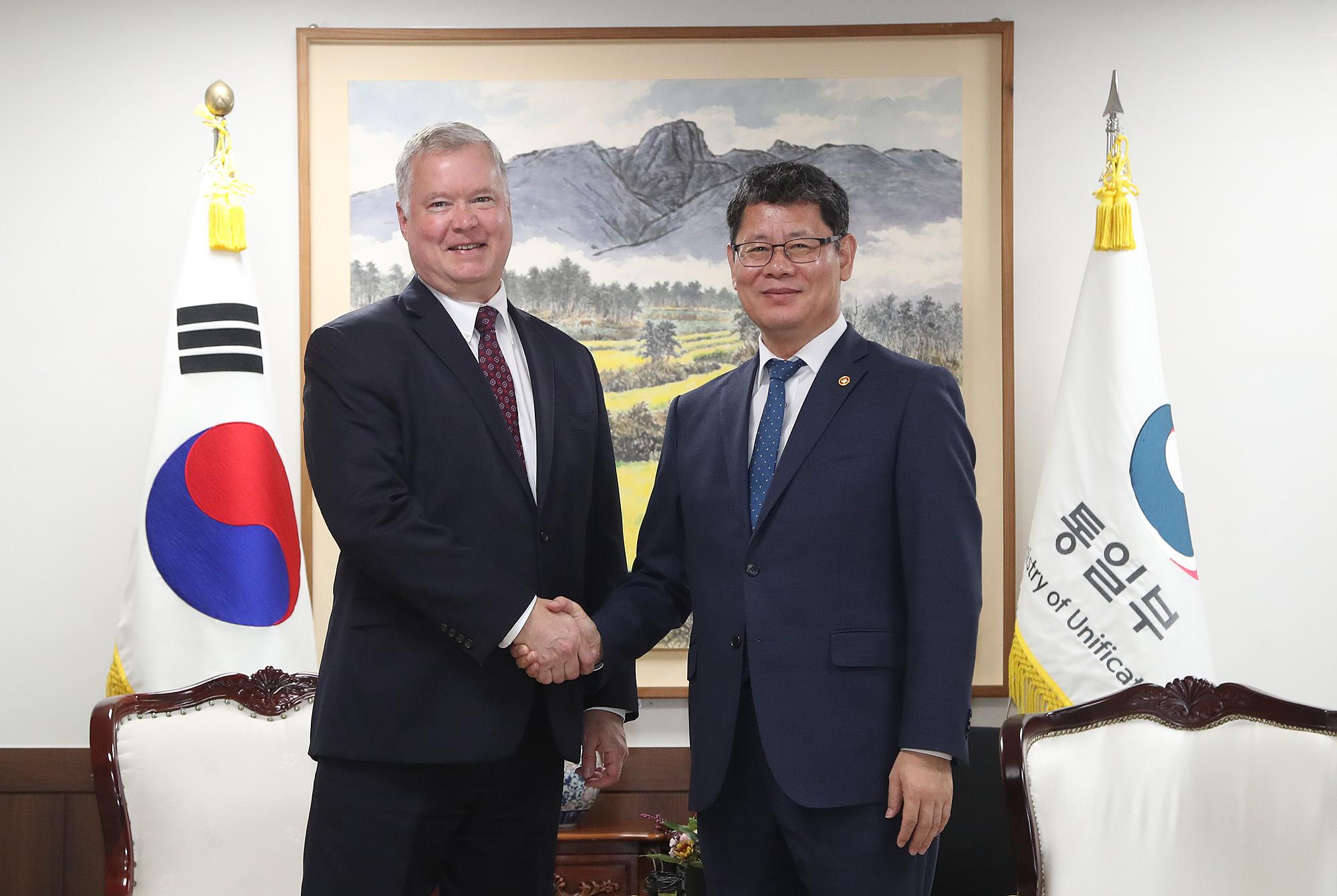 통일부에서 만난 김연철·스티븐 비건