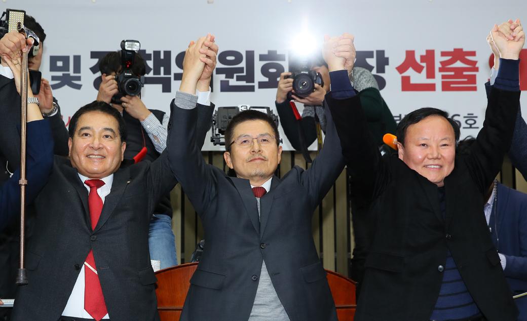 한국당 새 원내대표·정책위의장에 '심재철·김재원'