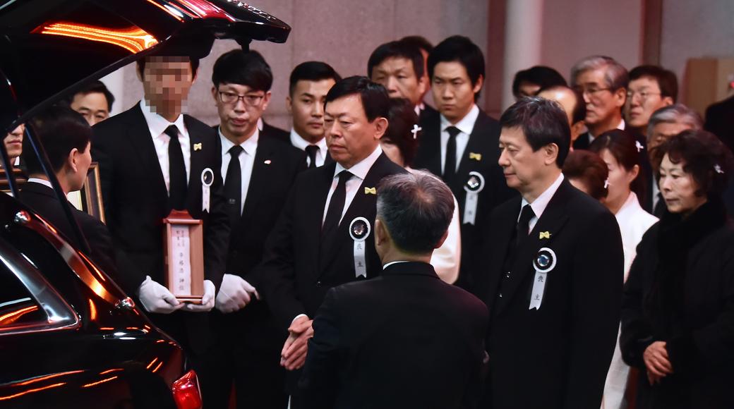 유통계 거목, 롯데 창업주 '신격호' 명예회장 발인