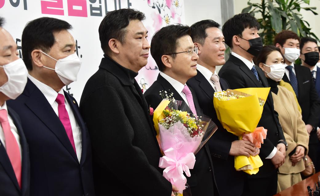 소상공인·소비자시민모임 회장 영입한 미래통합당