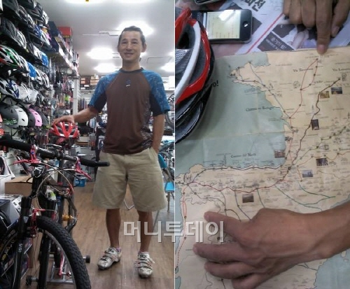 ▲ 이진형 씨가 파리-산티아고 순례길 지도를 펼치고 있다.