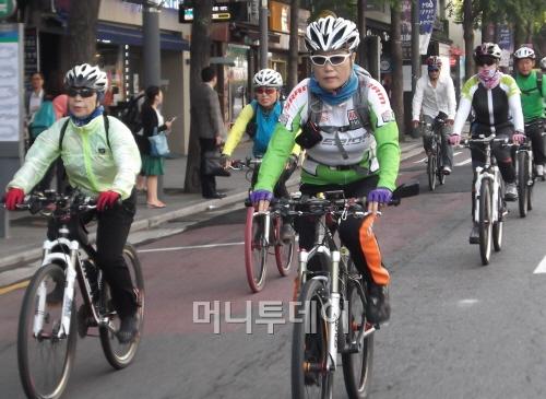 서울시, 보행전용거리에 이어 자전거버스도 운영
