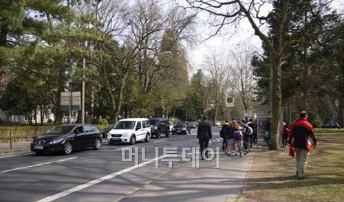 ▲ 자전거는 버스 등 대중교통과 잘 연계된다.