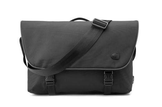 부크, 방탄소재 노트북 가방 '보아 커리어' 출시
