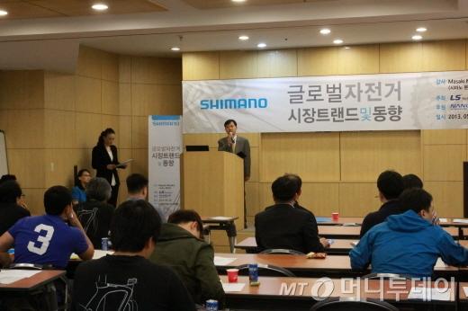 세미나의 주최 취지를 설명하는 조병상 LS네트웍스 유통사업본부장/사진=박정웅 기자