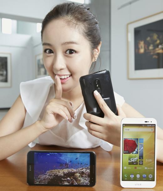 팬택, 지문인식 보안모드 탑재 '베가 LTE-A' 선봬