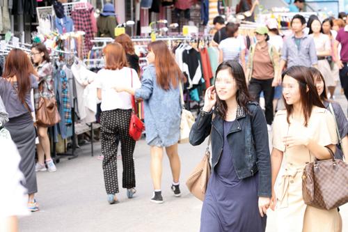 서울의 대표적인 젊음의 거리 홍대는 외국인여행객들의 '메카'로 뜨고 있다(사진=머니투데이DB)