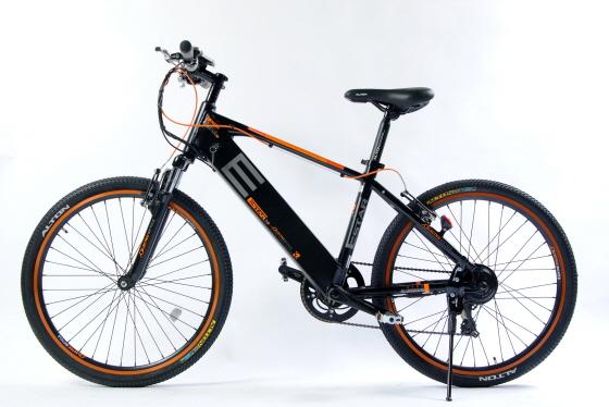 알톤스포츠의 고부가가치형 경량 전기자전거 '이스타S'/사진=알톤스포츠