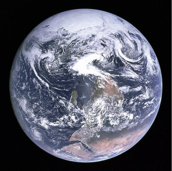 ▲아폴로17호에서 찍은 지구의 사진(출처=나사홈페이지)