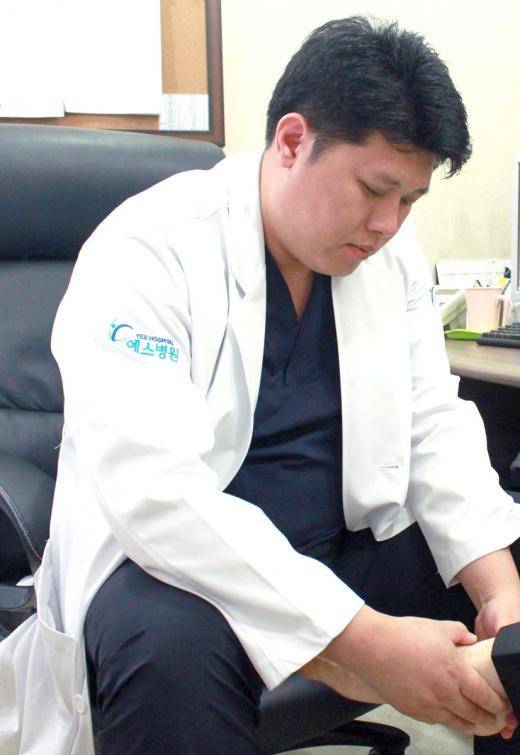 김장이후 손목터널증후군 증상 호소하는 주부 늘어