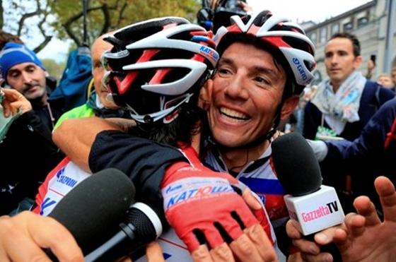 지난 10월15일 롬바르디아에서 우승한 로드리게즈/사진=국제사이클연맹