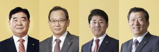 ▲좌측부터 김현식 사장, 박철수 전무이사, 강병호 이사, 우문제 이사.