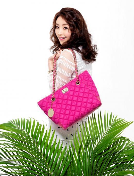 정유미, 가방 브랜드 '리즘뉴욕'모델 선정
