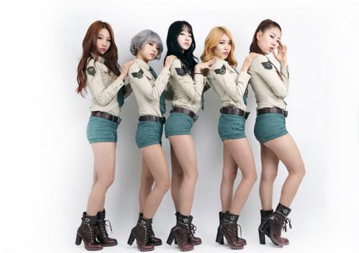 걸그룹 스칼렛 런웨이 선다...'서울걸즈컬렉션' 축하공연과 패션모델