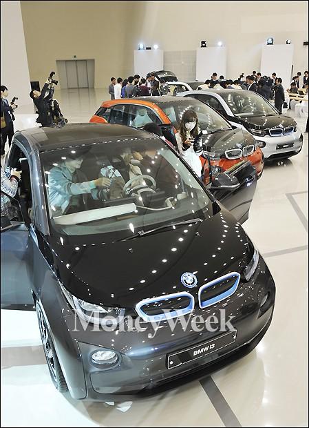 [MW사진]세가지 트림의 BMW 전기차