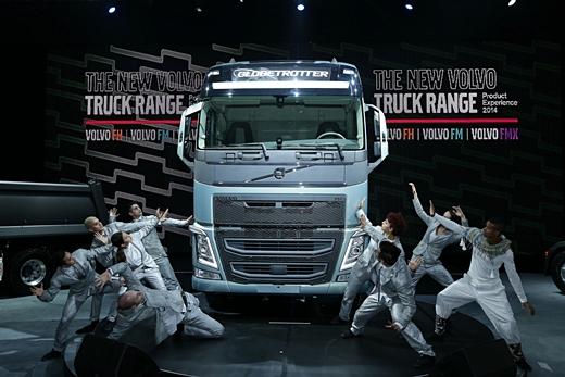 볼보트럭 플래그십 모델 FH